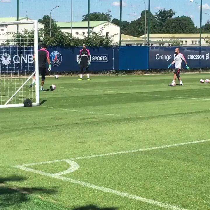 🇮🇹 Primo allenamento con il @PSG_inside 🇬🇧First #trainig at @PSG_English 🇫🇷 Première entraînement avec @PSG_inside