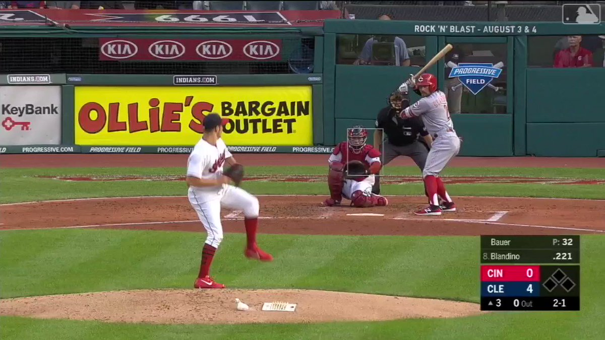 Billy Hamilton's speed translates to his hands as well. �� https://t.co/s1pYOTcHOn