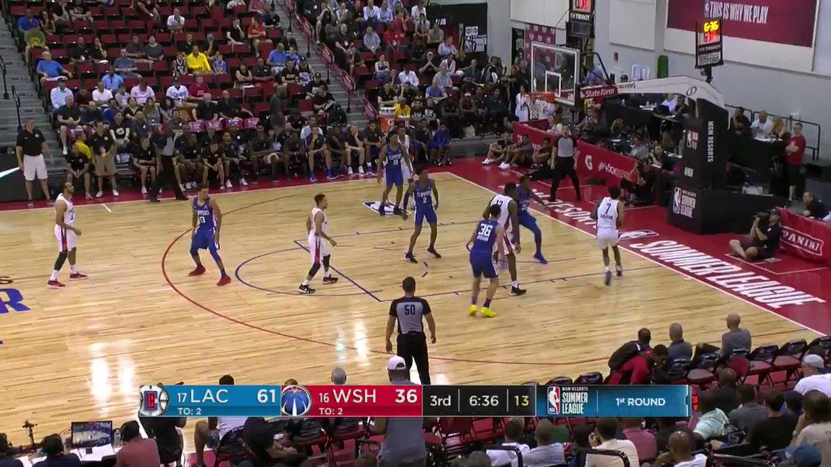 OH...Devin Robinson with the jam!  #NBASummer https://t.co/v3e8da4319