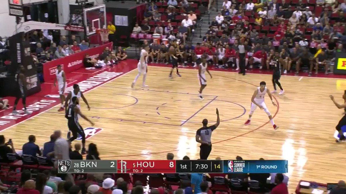'He assaulted the rim!'   Jarrett Allen with the jam on ESPN2.   #NBASummer https://t.co/2JxXxWLkdB