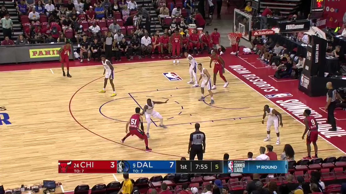 Jalen Brunson turns defense into offense.   #NBASummer https://t.co/k5lQZcxpYK
