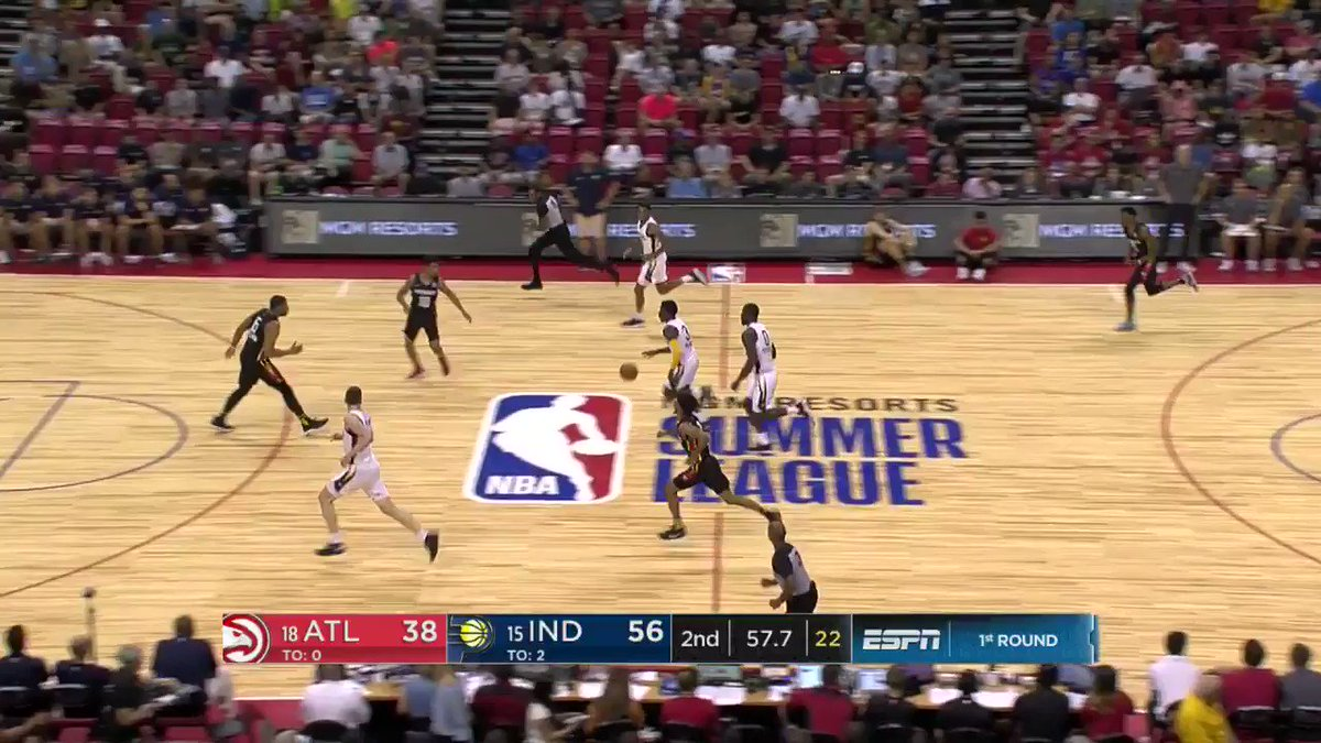 Aaron Holiday gets to his spot for the bucket.   #NBASummer https://t.co/YIYGEyx2y3