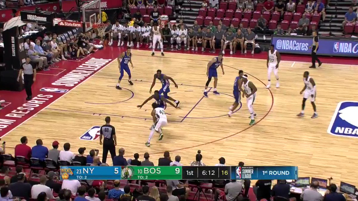 Guerschon Yabusele gets to his spot for the slam!     #NBASummer https://t.co/QRUABiVXTq