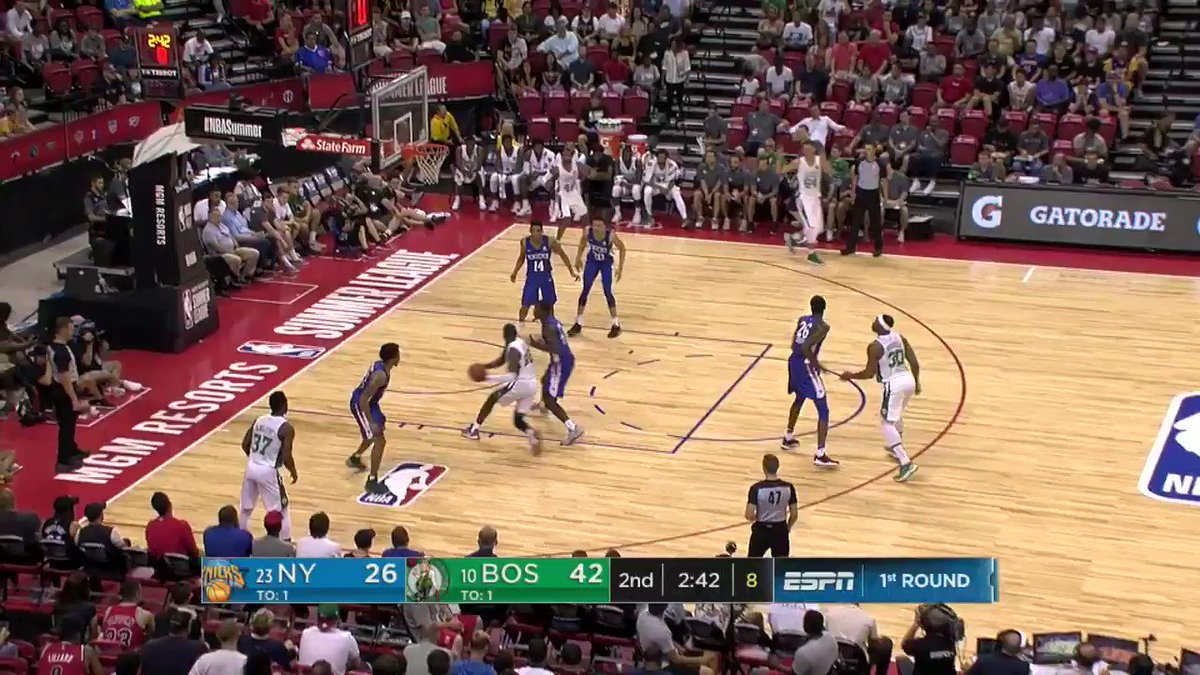 Jabari Bird goes glass on the reverse lay-in.   #NBASummer https://t.co/n4a8gM4Z5X