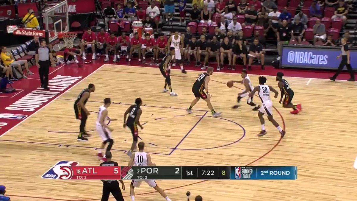 Jake Layman nails the early three for the @trailblazers!  #NBASummer https://t.co/Rye3ESUQ9N