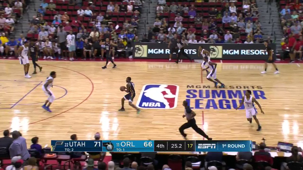 Stanton Kidd gets up to throw down!   #NBASummer https://t.co/jR27P7ktxw