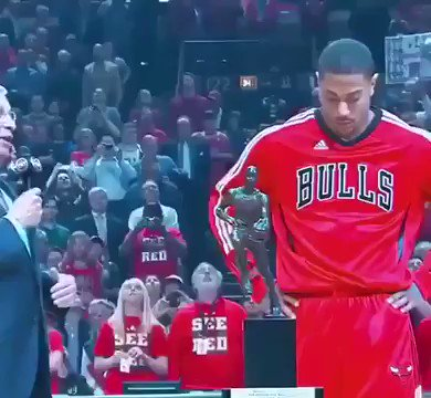 MVP Derrick Rose was so fun to watch.  Where would MVP Rose rank among point guards today? https://t.co/wEzcdHM2Kl