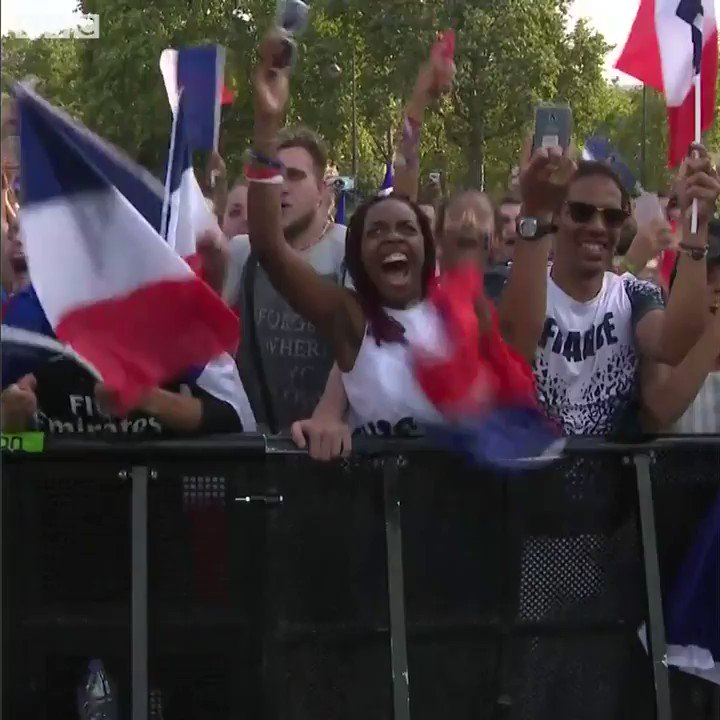 Champions du monde! ����⚽  World Cup celebrations get underway in Paris ������  https://t.co/yfVQy68TeD https://t.co/Vo2XigBaXW