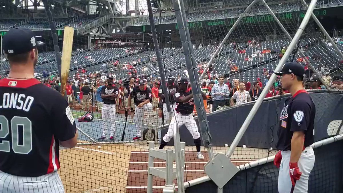 Video of Reds OF Taylor Trammell taking BP today in slow-mo. https://t.co/t2qbMarCbh
