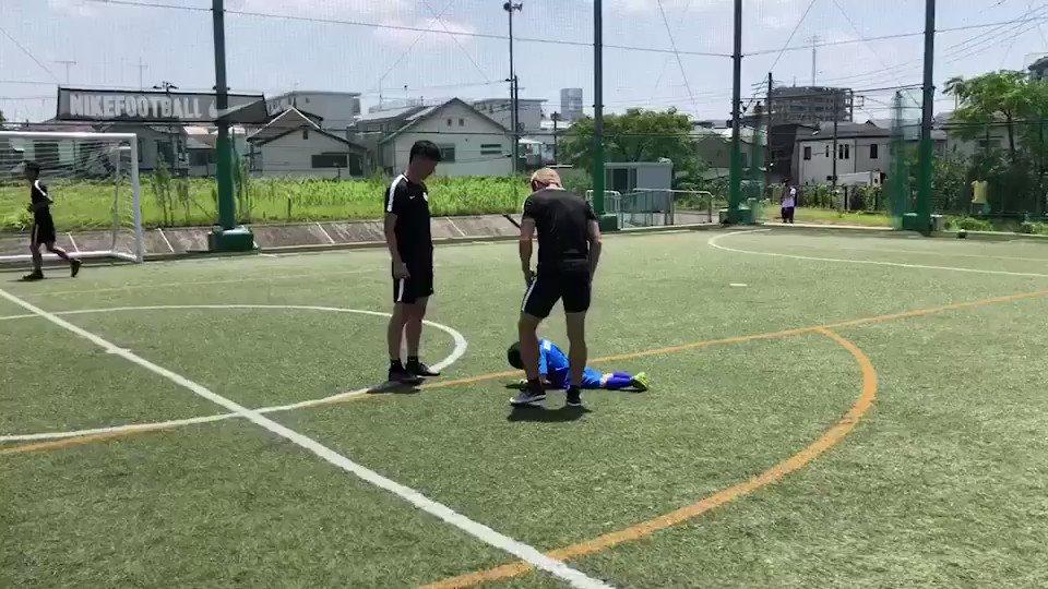 自分が運営するサッカースクールの子供たちに会いに行きました! サッカーだけではなく、1人の人間として、苦境に立ち向かう勇気、転げても立ち上がる強さを子供たちに伝えていきたい。 #soccerschool #YNFA