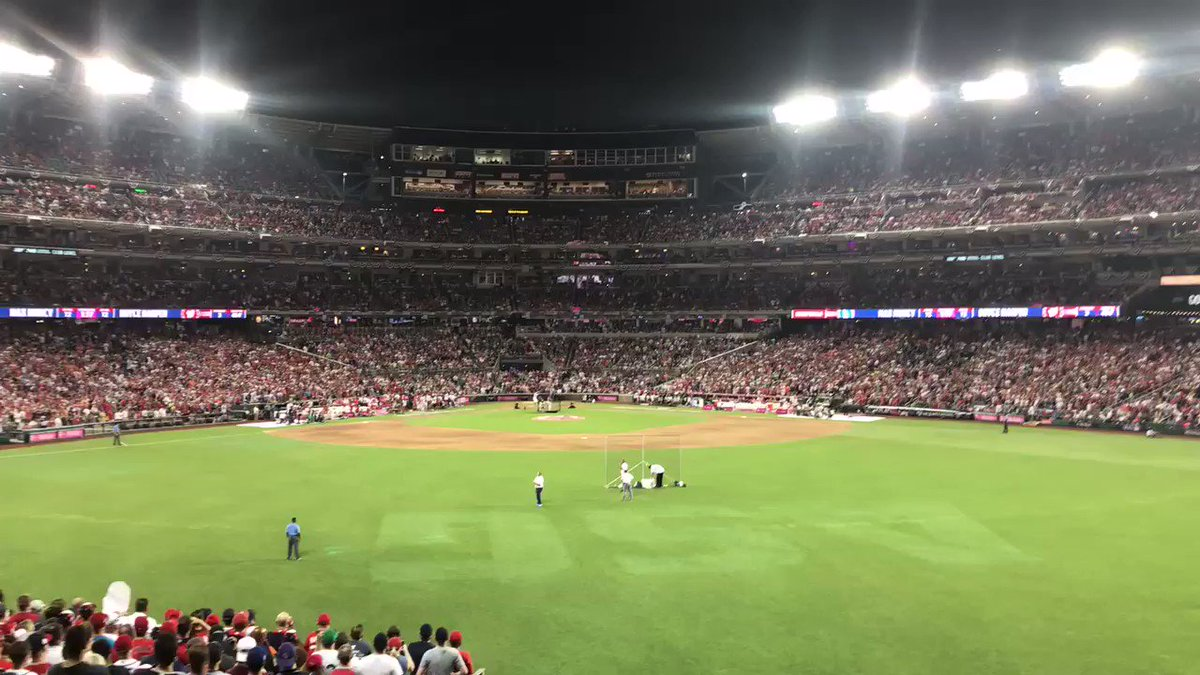 The homer that put @Bharper3407 in to the final round!   #HRDerby @Nationals https://t.co/rtt0RVFCYG