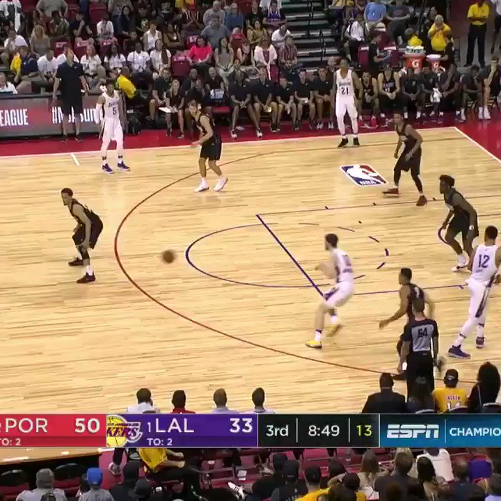Svi Mykhailiuk shows off the vision... TWICE ����  #NBASummer https://t.co/dFmcZLedQs