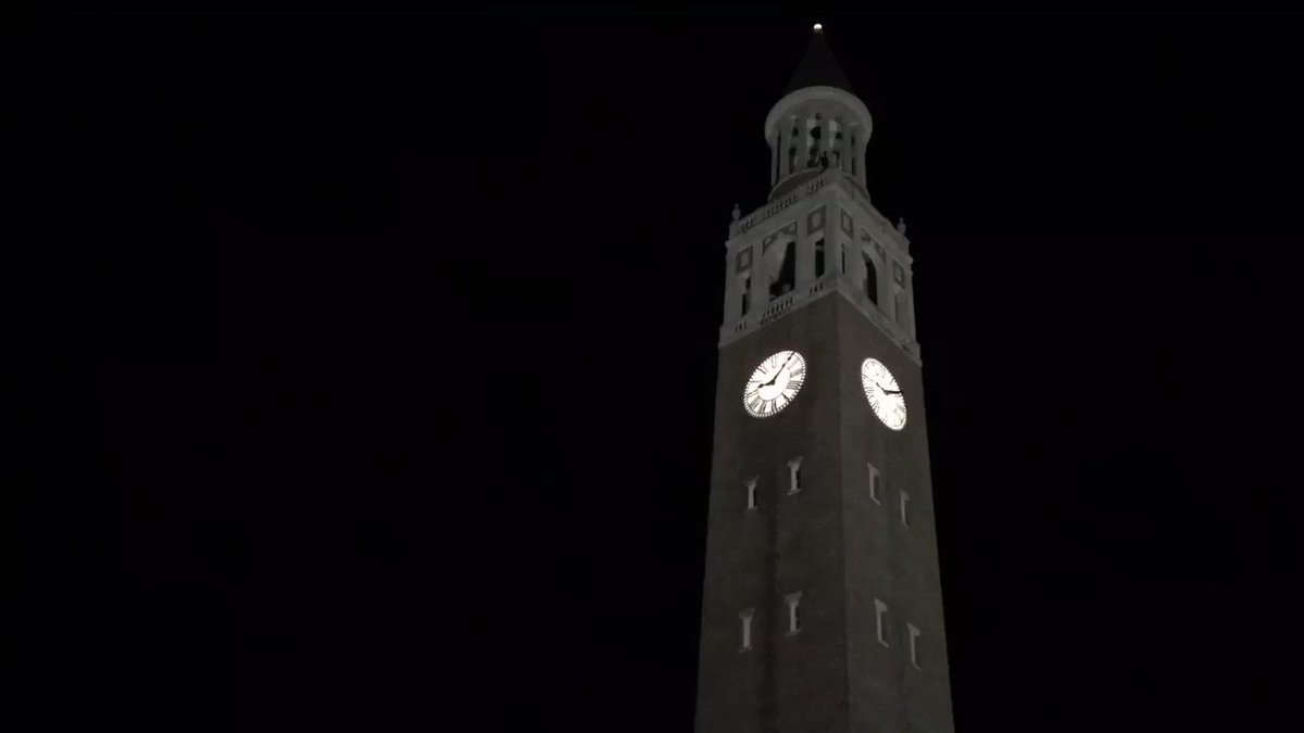 Ahh nothing like the Alma Mater to lull you to sleep 💙 #UNC https://t.co/aQfyxsiteo