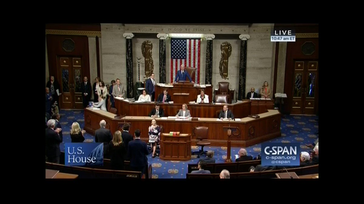 Watch Democrats chant 'USA!' on the House floor while Republicans ... don't. shareblue.com/house-gop-sham…