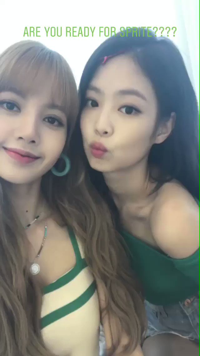 #LISA #JENNIE #BLACKPINK   More on: https://t.co/gI9e0aa1lF https://t.co/CpbznugEbb