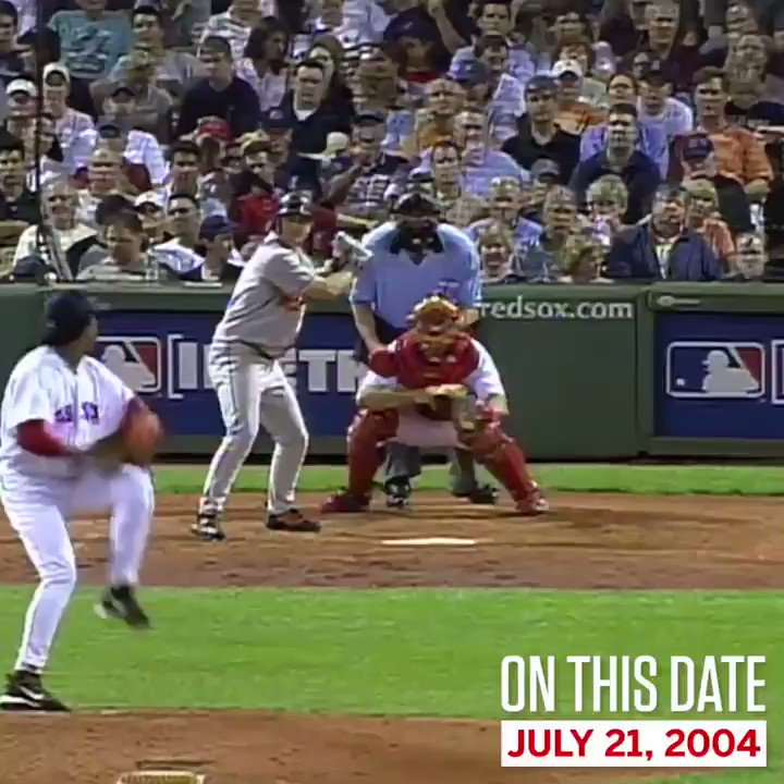 On This Date: We had no idea what Manny Ramirez was doing ¯\_(ツ)_/¯ https://t.co/B3yx2GsTgo