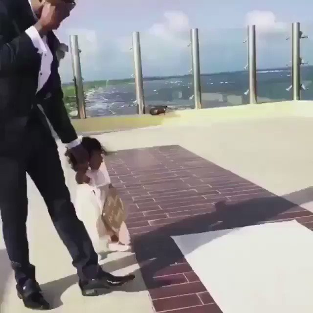 The baby recognized Future at a wedding and this happened ��❤️ https://t.co/xDN0VmkrEj