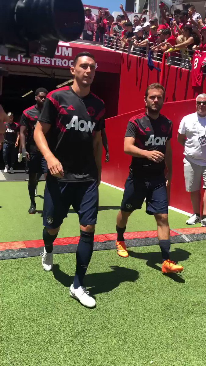 Warm-up time for our second matchday on #MUTOUR! ⌚️   Watch live build-up on #MUTV: https://t.co/vnmRvs6gXz https://t.co/5Rc4a76EWb