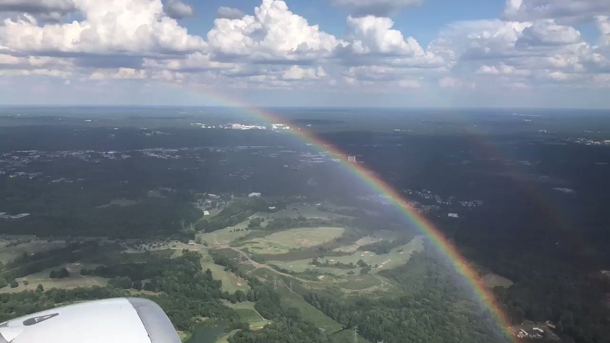 Took off in a bit of haze and briefly chased a rainbow ✈️�� https://t.co/38ZZxsL0kj
