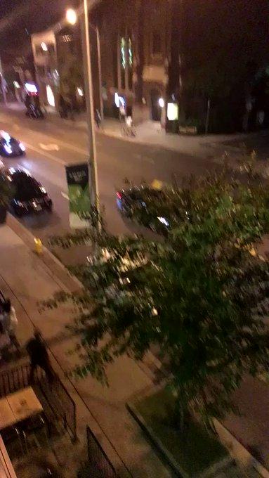 KAMEROM UHVAĆEN TRENUTAK KAD JE POČELO KRVOPROLIĆE: Došetao je ispred restorana i mrtav-hladan izvadio pištolj 3