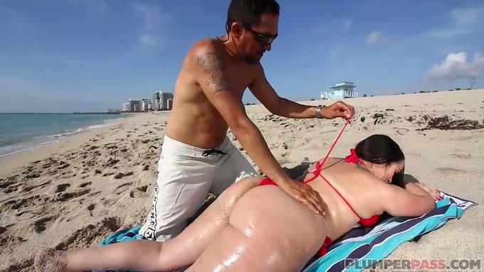 Big Booty Plumper @StarrAlycia Alycia Starr makes her https://t.co/NRCuyTH6rc debut  https://t.co/mlj86aE4cF