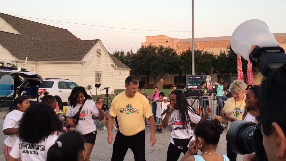 Learning the Keke dance with @K104FM #mayorsbacktoschoolfair