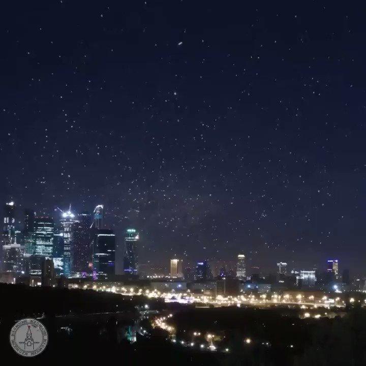 С 12 на 13 aвгуста 2018 нас ждёт самый красивый звездопад года. Можно будет увидеть до 100 падающих звёзд в час.   Ретвит, чтобы не пропустить и загадать желание 🙏