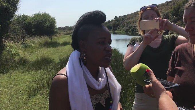 De Ghanese popster⭐ Sherifa bezocht onze Amsterdamse Waterleidingduinen. De boswachter vertelde haar hoe wij onze drinkwaterbronnen beschermen. Zij zet zich in voor een cruciale drinkwaterbron in eigen land. Luister zondag naar haar bij Vroege Vogels https://t.co/7ef8PGXNU0