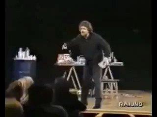 @matteorenzi Per non parlare della loro coerenza sui vaccini.#DiMaio #80Euro #Salvini #DiMaioInsegna #vaccini #NoVax  - Ukustom