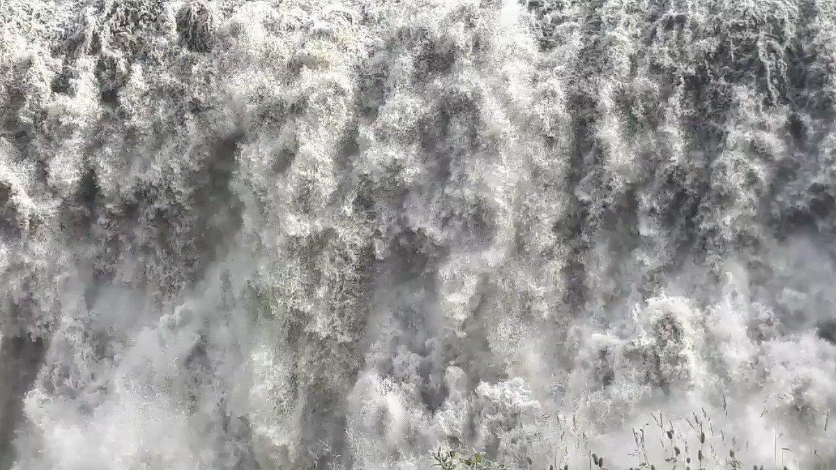 Islanda ...cascata di dettifos  #forzadellanatura #meraviglia #vacanza  - Ukustom
