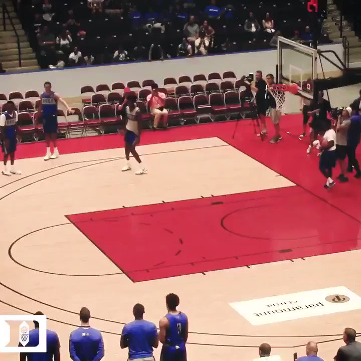 Zion taking off from the free throw line ✈️ ✈️ ✈️  (via @DukeMBB) https://t.co/ISk9MZehcP