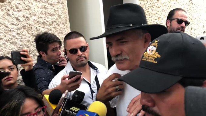Mireles acusa de farsa foro de pacificación en