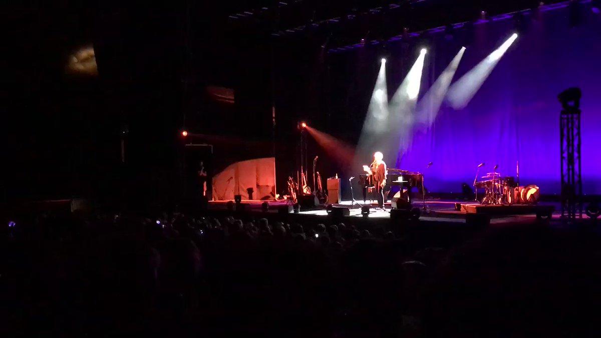 Image for the Tweet beginning: 🎥 Joan Baez ha dedicat