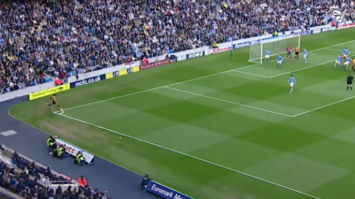 Pick. That. One. Out. ��  #GoalOfTheDay @Wolves https://t.co/PNp7owCOnC