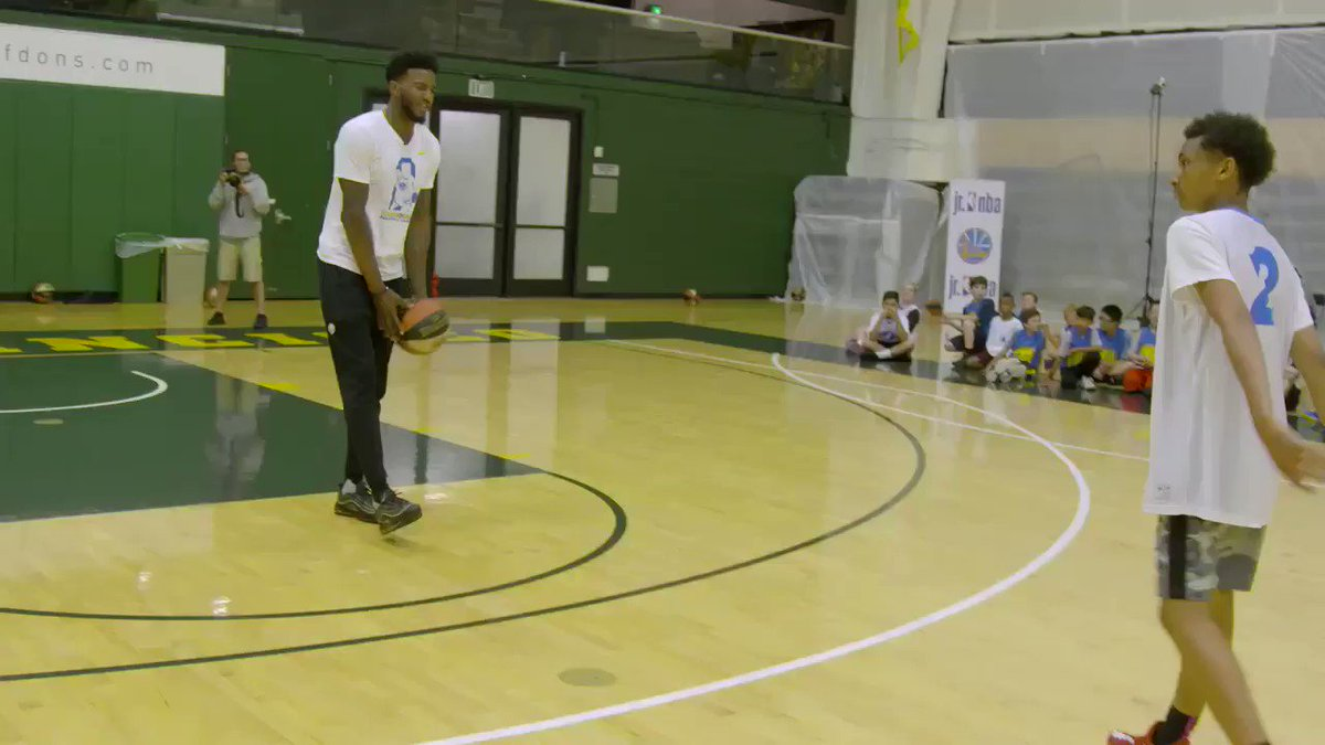 #TBT to when @1jordanbell gave a lesson on the art of blocking shots 😂 #NBABlockWeek