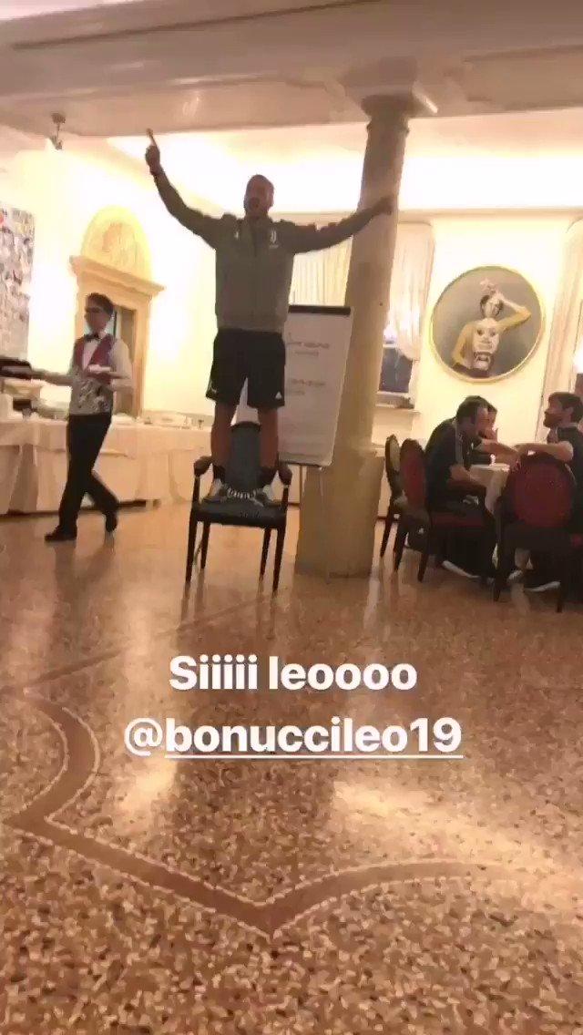 Un uomo costretto a tornare alla Juve. #Bonucci  - Ukustom