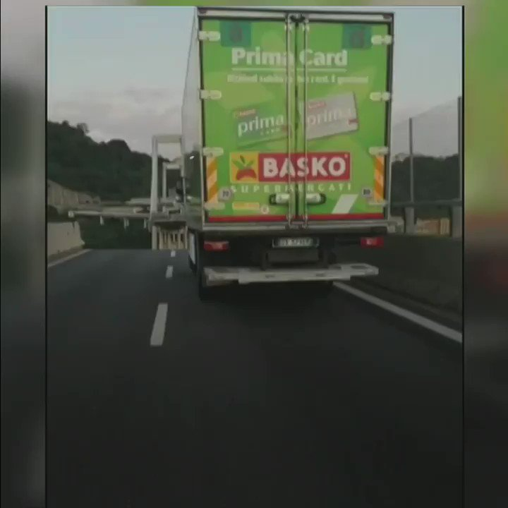 Video shows gap in carriageway on collapsed Genoa bridge  https://t.co/9sIrajwzm7 https://t.co/ZVjTSObZ4G