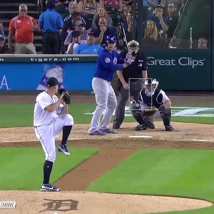 Anthony Rizzo fell to his knees and STILL hit the home run 💪