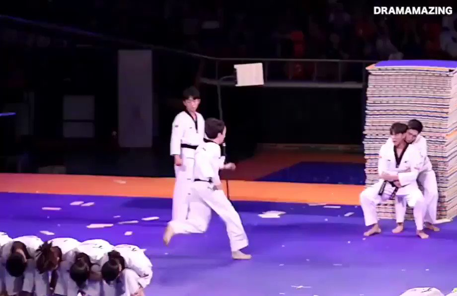 Thats just insane the precision of the South Korean Taekwondo Team and their epic martial arts skills. AMAZING! 😳🇰🇷🥋 #taekwondo #martialarts