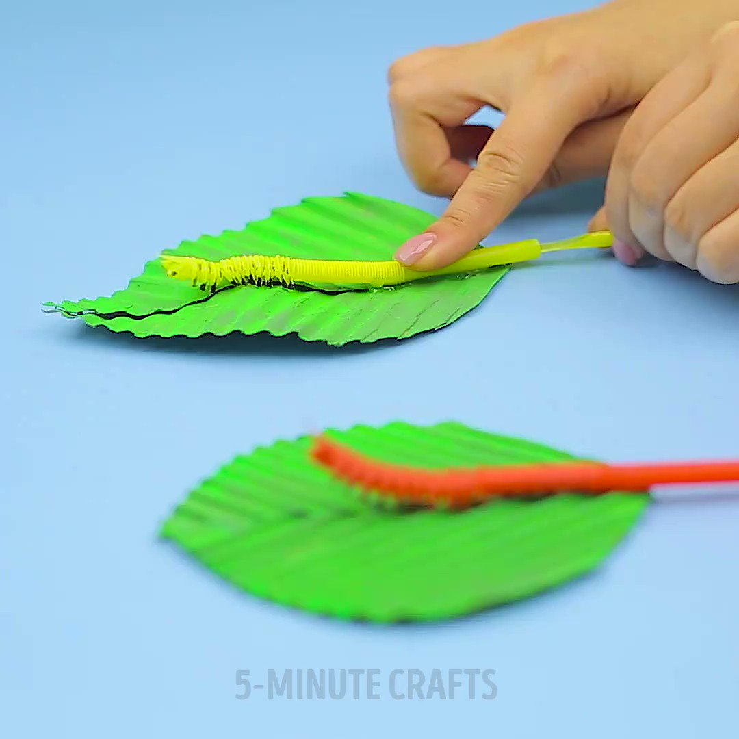 How to make a cute moving caterpillar from straws.🐛
