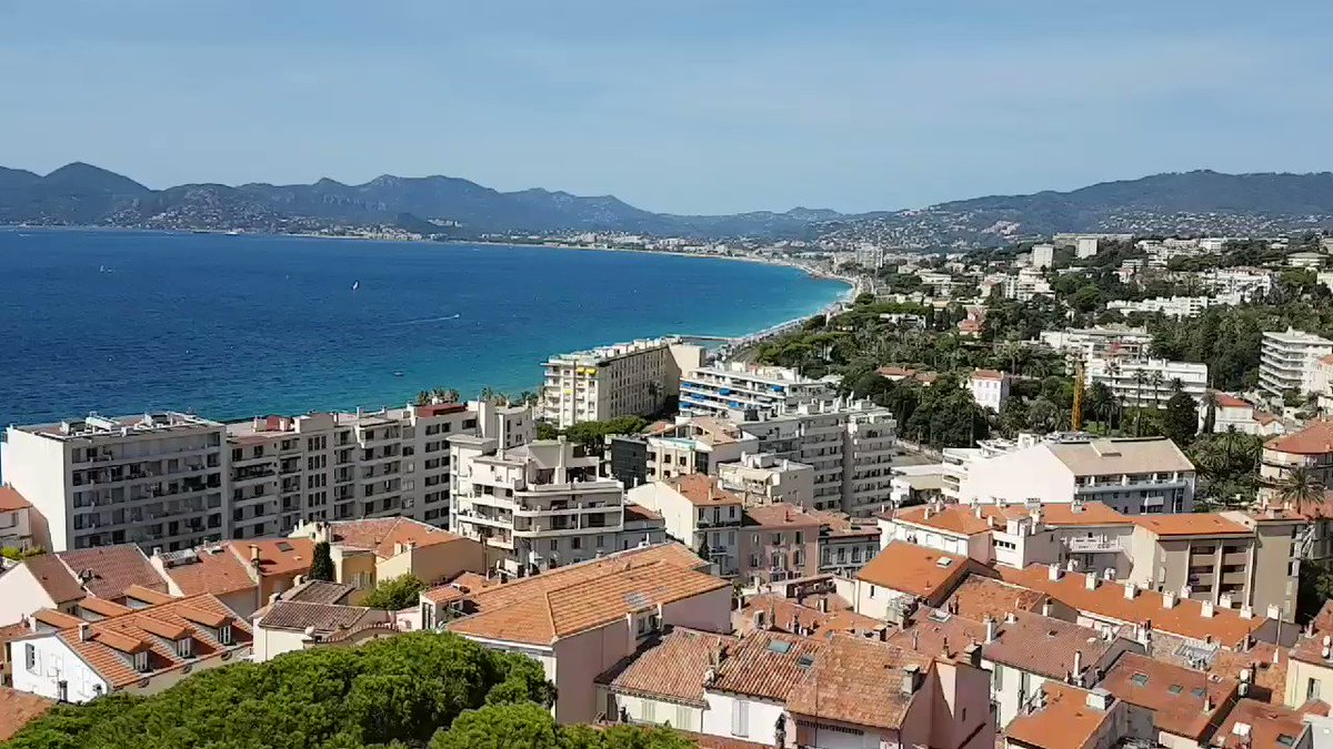 Vue 360°de la Tour de Guet du #MuseeDeLaCastre au sommet du  #Suquet de #Cannes ... Vues ... #BaieDeLaNapoule #Esterel  #IlesDeLerins  #IleStHonorat #ilestemarguerite #BaieDeCannes ... @villecannes ... #CotedAzurFrance  #CotedAzurNow