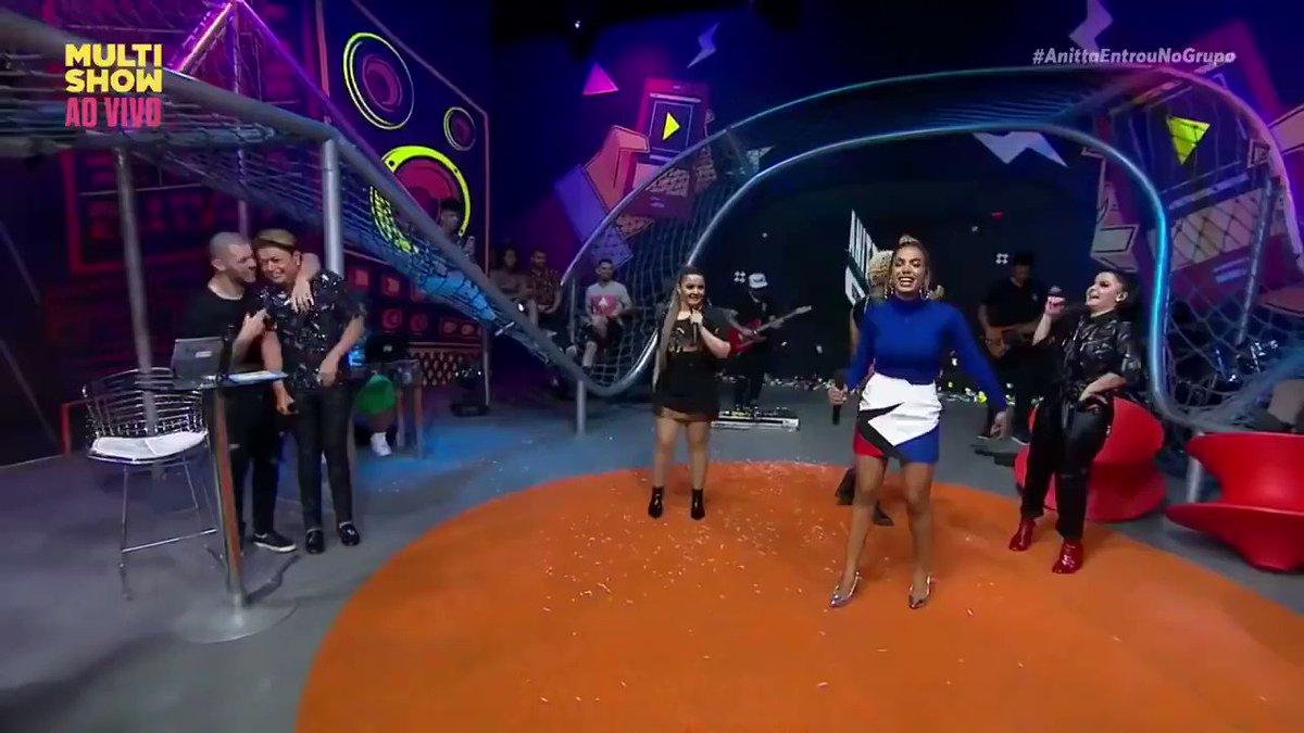 Vocês já tinham ouvido esse hino da Anitta com a Mamacita que nunca foi lançado? https://t.co/hiGqkHhE0d