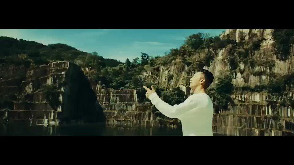 """【拡散希望🙇♂️】 遂にこの日が来た🔥 1st Def Jam Recordings Album """"UNCHAINED""""入荷日です‼️  Go Get It!!👉 https://umj.lnk.to/sway_uncTW  MVの感想ありがとう🙌評判良くて嬉しいです😌まだの方、是非デス👍   Never Say Goodbye feat. EXILE SHOKICH & SWAY YouTube▶︎ https://youtu.be/tRYPFH5eOWc"""