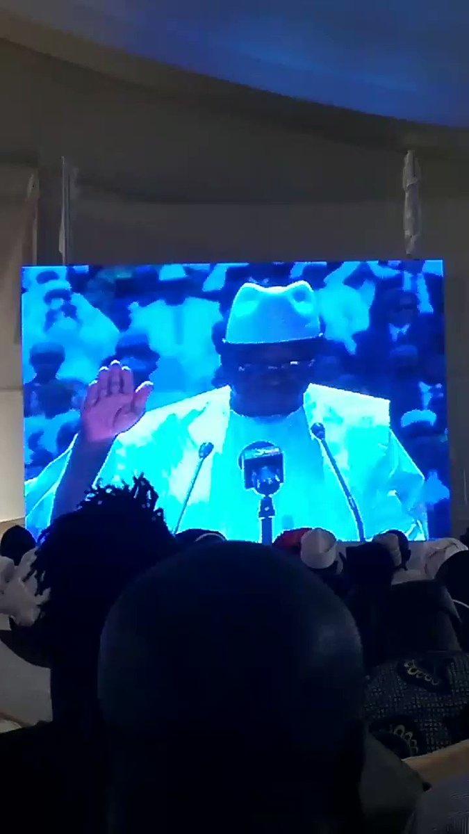 Le président de la République SEM Ibrahim Boubacar Keita prête serment.  #IBK2018 #PresidentielleMali2018 #Koulouba2018 @ocisse691 @thiernobaz @TigressePocahon @trgao123 @JigiAfrica @Bambakeleti @patrie_le