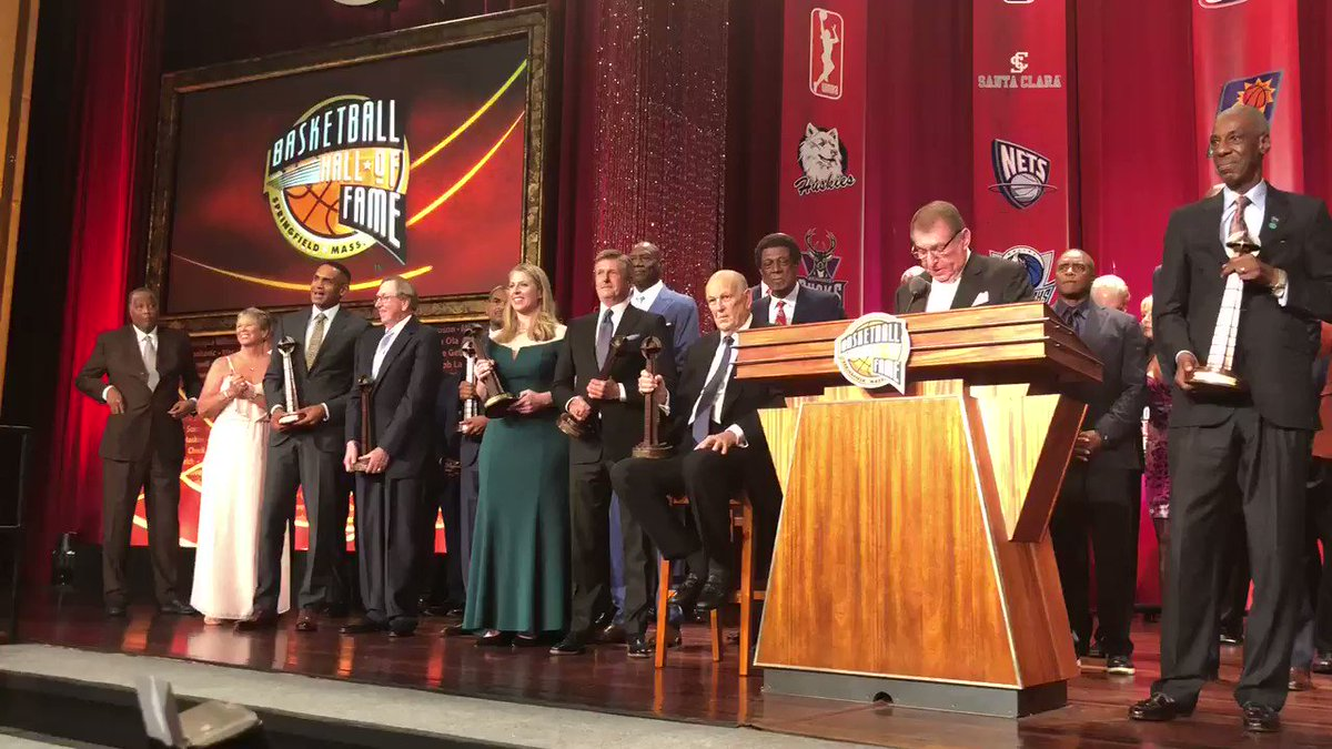 Congratulations to the @Hoophall #18HoopClass 👏