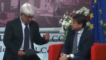 """Il Presidente #Conte e il gioco della torre.Tra #Renzi e #Gentiloni chi dei due butta giù?""""Guardate che Renzi si butta giù da solo, s'è già buttato"""".  - Ukustom"""