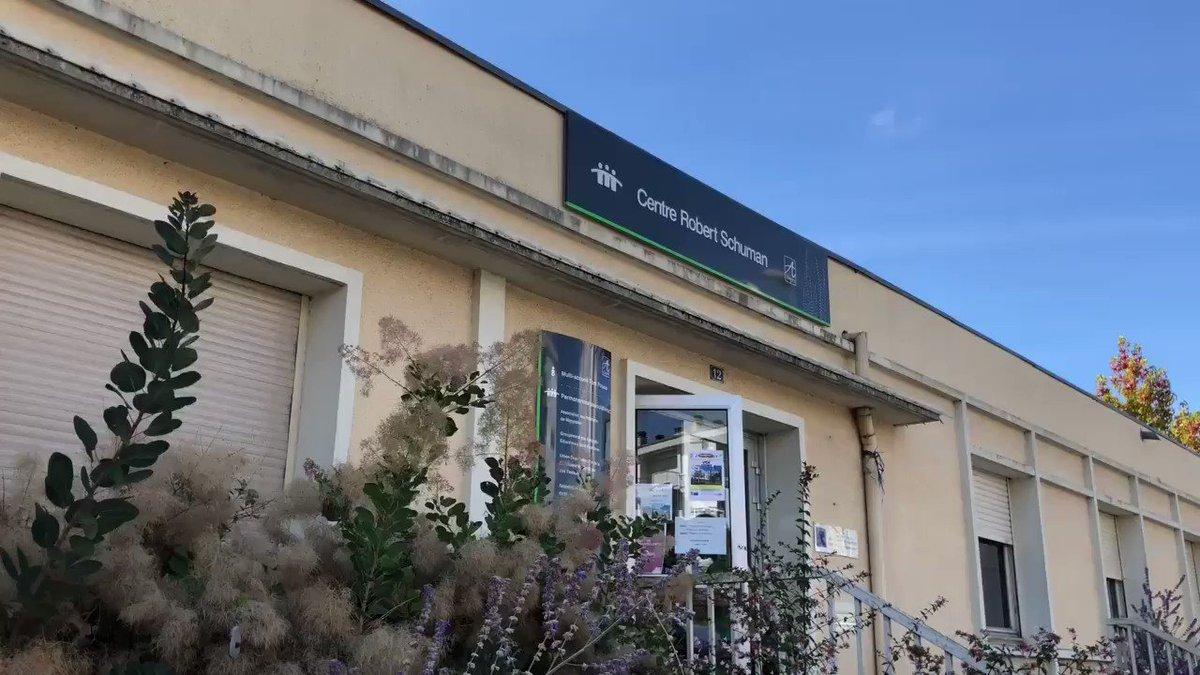 Le ministre de la Cohésion des territoires, @MezardJacques, était à #Angers, pour signer une convention sur la rénovation urbaine de Monplaisir et Belle-Beille. L'@AnruOfficiel versera 100M€ pour participer au financement des projets.