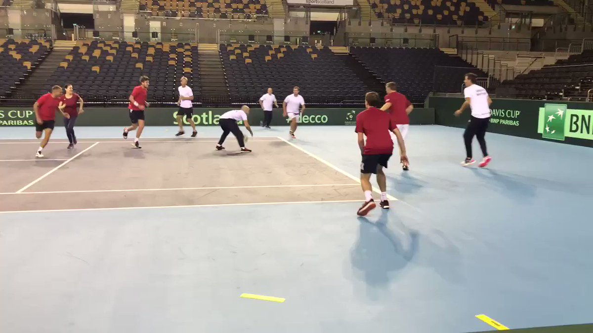 How about these quarter-back to receiver skills from @cam_norrie & Dan Evans @NFLUK? 🏈🎾👌