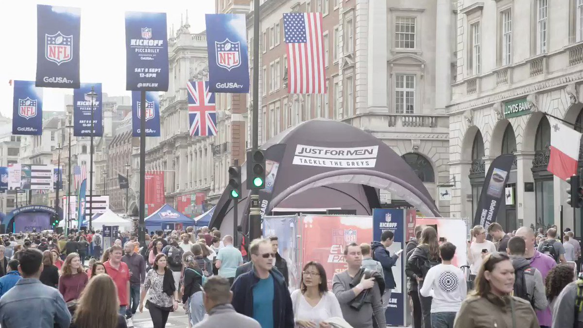 🏈 @NFLUK Kickoff on Piccadilly was a day to remember 🙌 #TBT Whos going to the games in October? 🖐️