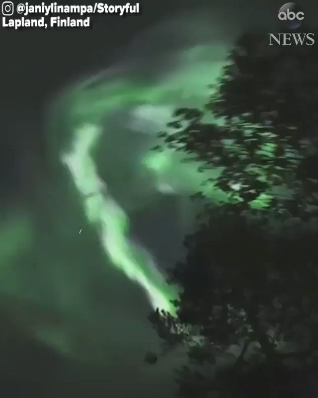 Photographer captures stunning Northern Lights display swirling in the night sky over Finland. abcn.ws/2N5ZDp3